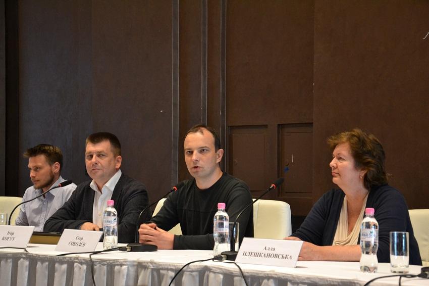 Зліва направо: Олександр Заславський, Ігор Когут, Єгор Соболєв, Алла Плешкановська